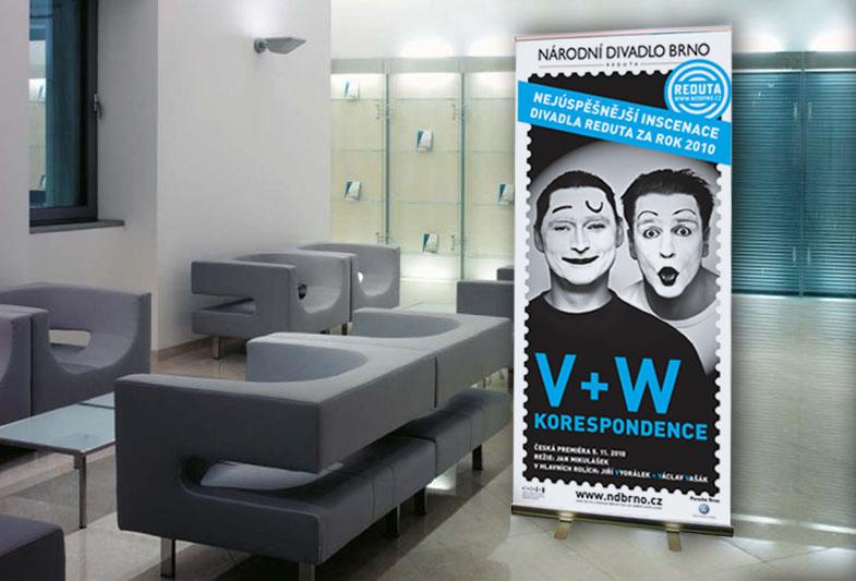 Divadlo Reduta: Korespondence V+W – Rollup